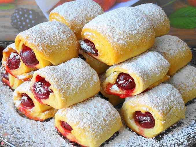 Как приготовить домашнее печенье с кислинкой «Вишни под снегом»
