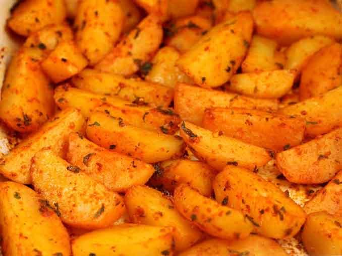 Как вкусно приготовить картофель в духовке