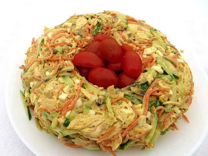 Как приготвить салат на праздничный пасхальный стол