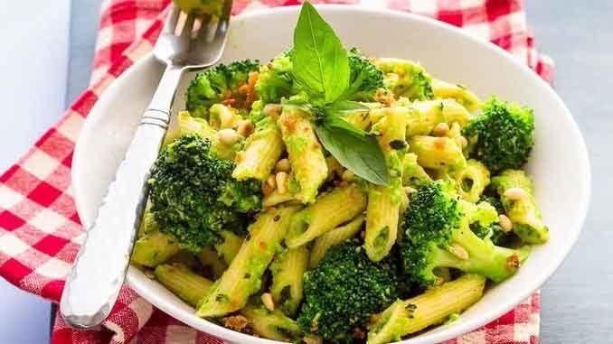 Вкуснейшие рецепты с брокколи, которые помогут победить отвращение к спаржевой капусте