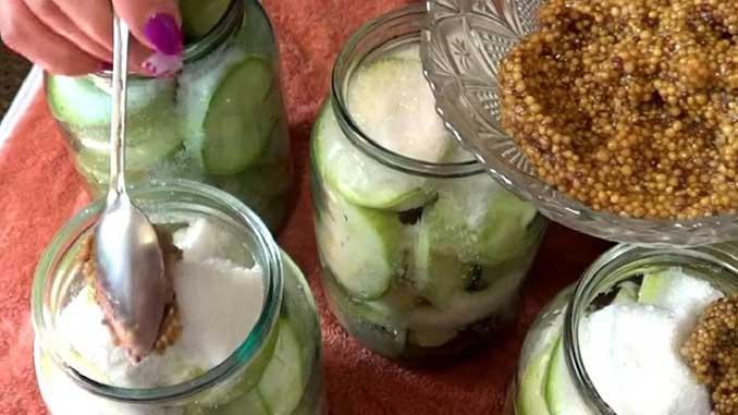 Как приготовить кисло-сладкие кабачки на зиму