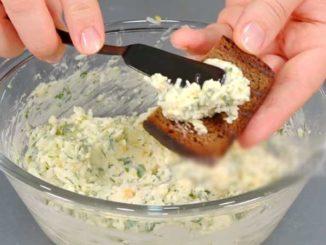 Эту моментальную закуску готовят все, кого я знаю: быстро, вкусно и доступно!