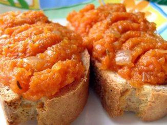 Нежная, легкая и вкусная морковная икра