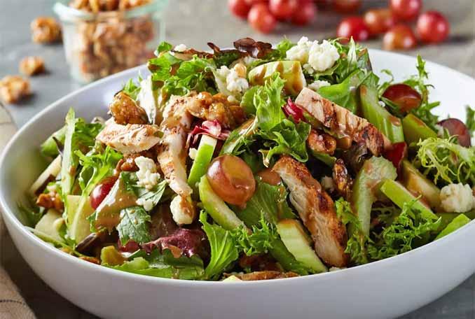 Вальдорфский салат: для тех, кто устал от дежурного Оливье!