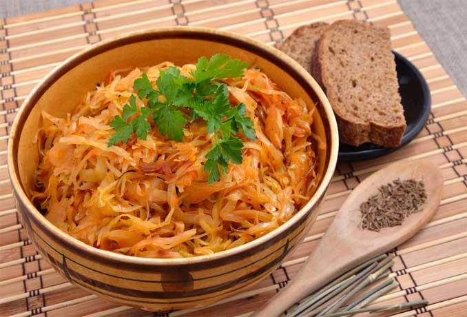 Тушеная капуста к зимнему столу: лучшие рецепты!