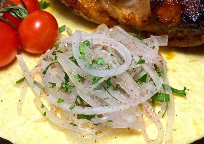 Мой лук «по-турецки» съедается быстрее, чем мясо!