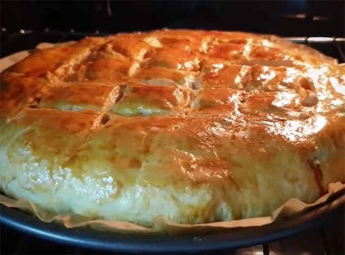 Любимый пирог моей бабушки: просто, быстро, вкусно и сытно!